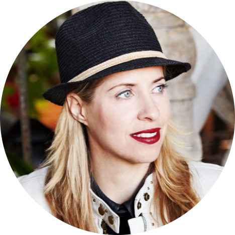 Founder of the Webby Awards, Tiffany Shlain is an Internet pioneer who's calling for a healthier balance between our online and offline selves.